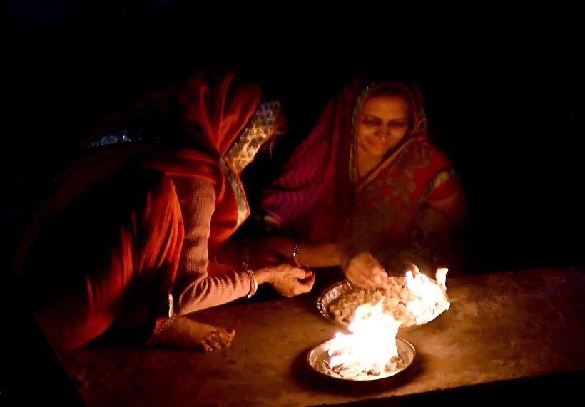<em>Rituals at Pushkar Lake </em>