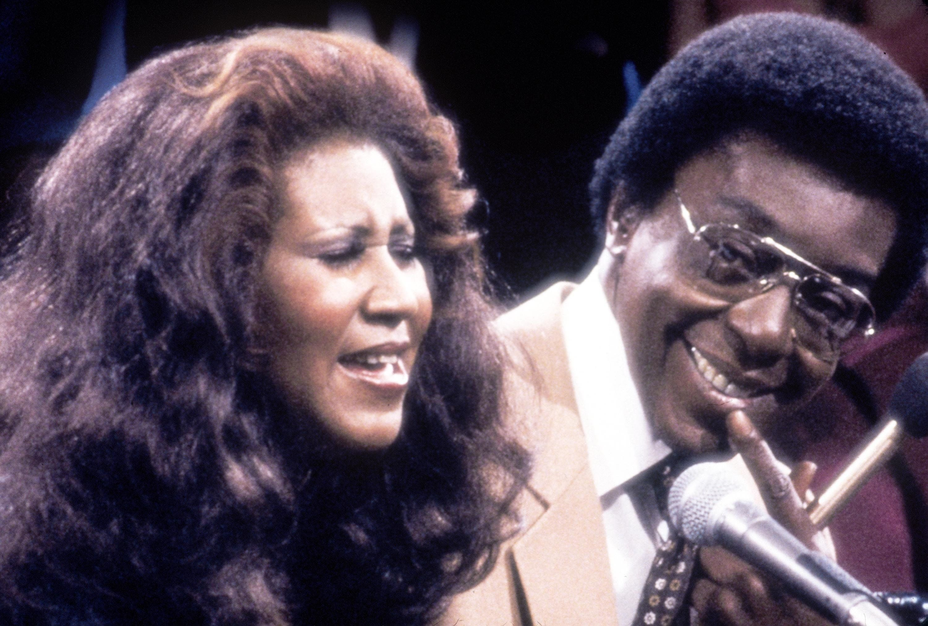 384820 04: Singer Aretha Franklin with show host and producer Don Cornelius. Franklin was one of many entertainers who performed on 'Soul Train' in the 1970''s, part of the Soul Train 30th Anniversary 'Divas and Kings 2000 & Beyond.' (Photo by 2001 Tribune Entertainment)