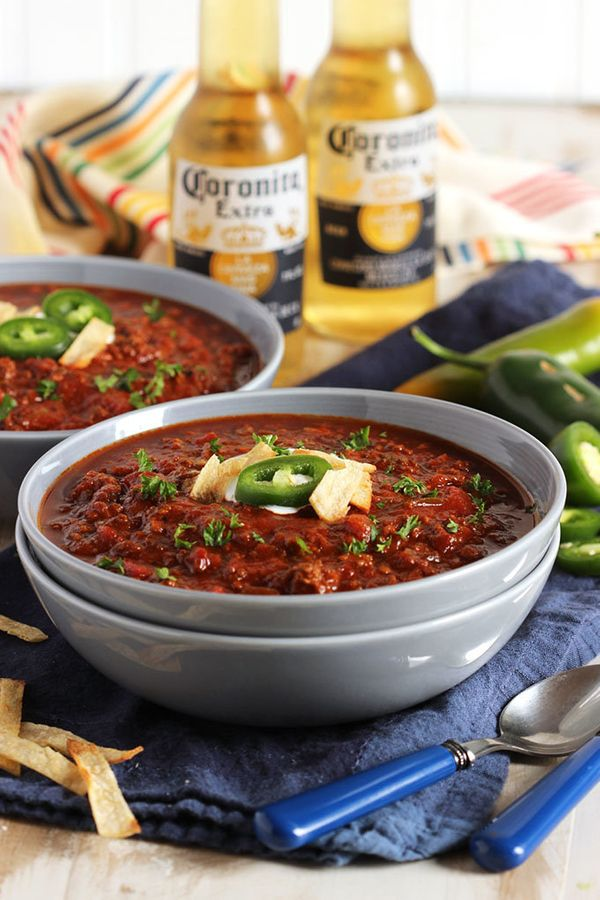 """<strong>Get the <a href=""""http://thesuburbansoapbox.com/2014/01/31/sweet-and-spicy-slow-cooker-chili/"""" target=""""_blank"""">Sweet A"""
