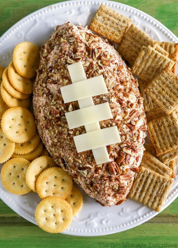 """<strong>Get the <a href=""""http://www.the-girl-who-ate-everything.com/2016/02/ham-and-cheddar-cheese-ball.html"""" target=""""_blank"""""""