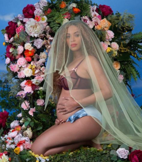 Beyoncé Announces She's Pregnant With
