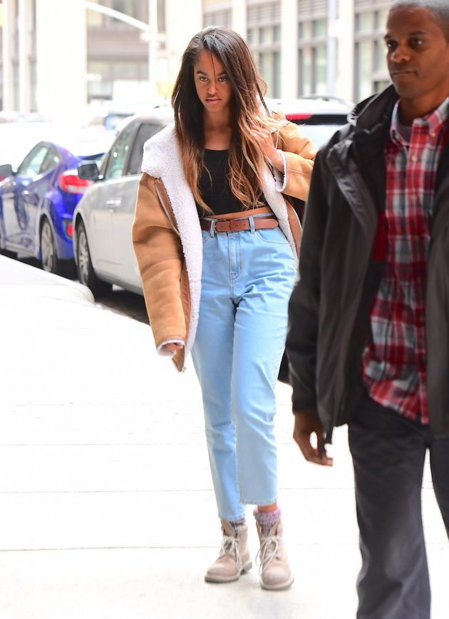 malia obama looks awesome in mom jeans the huffington post. Black Bedroom Furniture Sets. Home Design Ideas