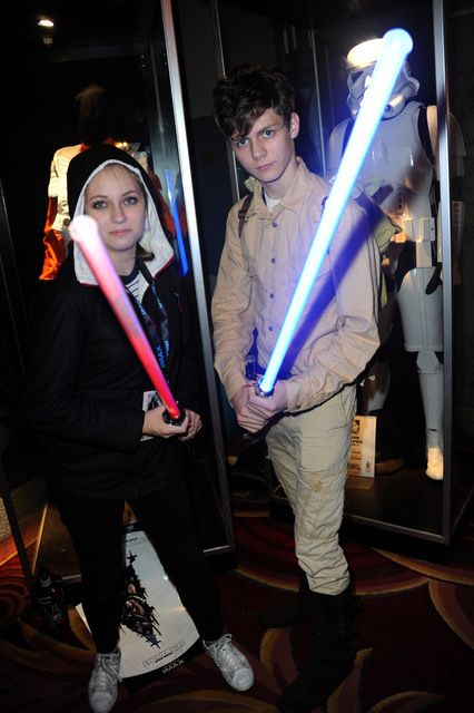 ACTOR TY SIMPKINS AND GUEST AT THE TCL CHINESE THEATRE FOR OPENING NIGHT OF ROGUE ONE: A STAR WARS STORY