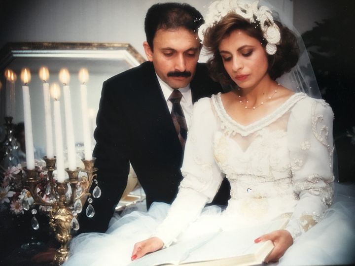 Nassim Alisobhani's parents were married in 1986.
