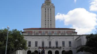 People walk at the University of Texas campus in Austin, Texas, June 23, 2016. The U.S. Supreme Court on Thursday, upheld the practice of considering race in college admissions, rejecting a white woman's challenge to a University of Texas affirmative action program designed to boost the enrollment of minority students. REUTERS/Jon Herskovitz