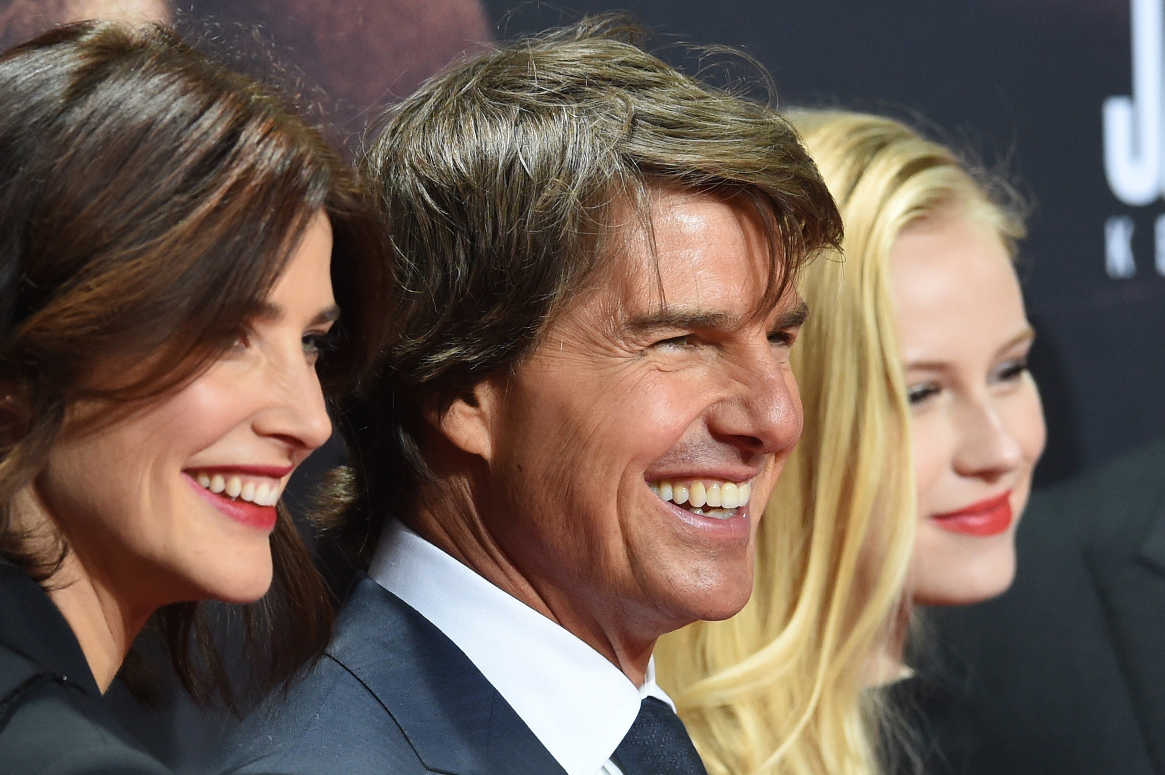 BERLIN, GERMANY - OCTOBER 21: Cobie Smulders, Tom Cruise and Danika Yarosh (L-R) attend the 'Jack Reacher: Never Go Back' Berlin Premiere at CineStar Sony Center on October 21, 2016 in Berlin, Germany. (Photo by Maurizio Gambarini/Anadolu Agency/Getty Images)