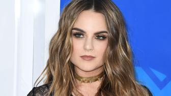 Singer JoJo arrives for the 2016 MTV Video Music Awards August 28, 2016 at Madison Square Garden in New York. / AFP / Angela Weiss        (Photo credit should read ANGELA WEISS/AFP/Getty Images)