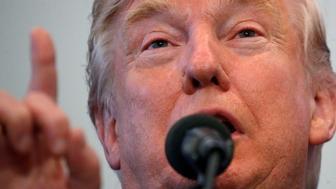 Republican presidential nominee Donald Trump attends a campaign event in Atkinson, New Hampshire, U.S. November 4,  2016.   REUTERS/Carlo Allegri