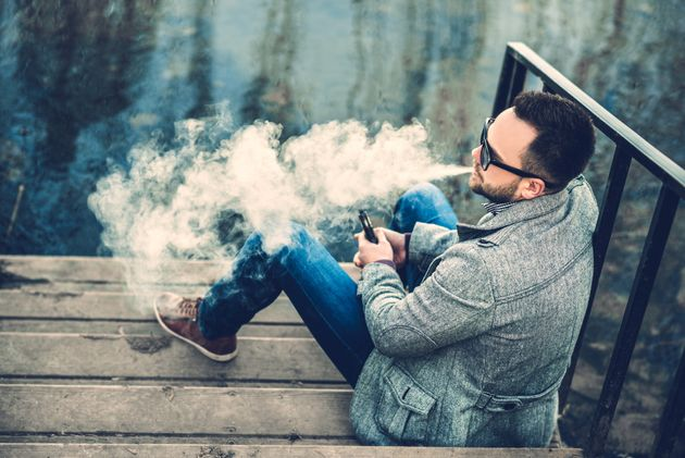 Long-term study shows 'e-cigarettes safer than smoking'