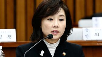 SEOUL, SOUTH KOREA - JANUARY 09:  Cho Yoon-sun, minister of Culture, Sports and Tourism. answers questions during a parliamentary hearing of the probe in Choi Soon-sil gate probe at the National Assembly on January 9, 2017 in Seoul, South Korea. South Korea held the last round of a parliament hearing on the corruption scandal involving impeached President Park Geun-Hye.  (Photo by Jeon Heon-Kyun-Pool/Getty Images)