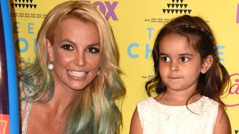 LOS ANGELES, CA - AUGUST 16:  Maddie Briann Aldridge, Britney Spears poses in the press room at the Teen Choice Awards 2015 at Galen Center on August 16, 2015 in Los Angeles, California.  (Photo by Steve Granitz/WireImage)