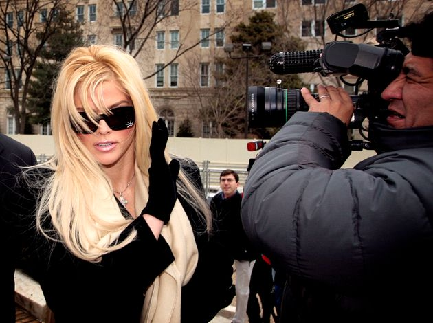 Anna Nicole's life became a paparrazo's dream, with every week bringing fresh