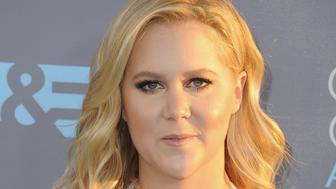 SANTA MONICA, CA - JANUARY 17:  Actress Amy Schumer arrives at The 21st Annual Critics' Choice Awards at Barker Hangar on January 17, 2016 in Santa Monica, California.  (Photo by Jon Kopaloff/FilmMagic)
