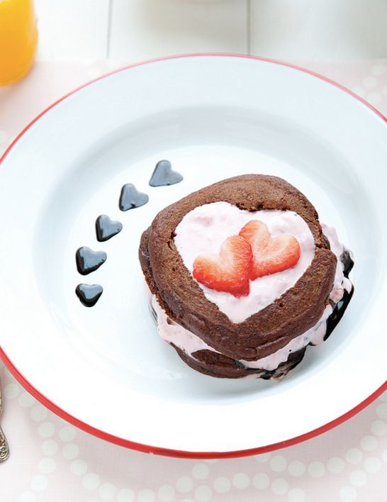 "<strong>Get the <a href=""http://www.annies-eats.com/2015/02/09/chocolate-pancakes-with-strawberry-yogurt/"" target=""_blank"">Ch"