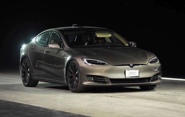 the tesla model s p100d just smashed the 0 60mph record. Black Bedroom Furniture Sets. Home Design Ideas