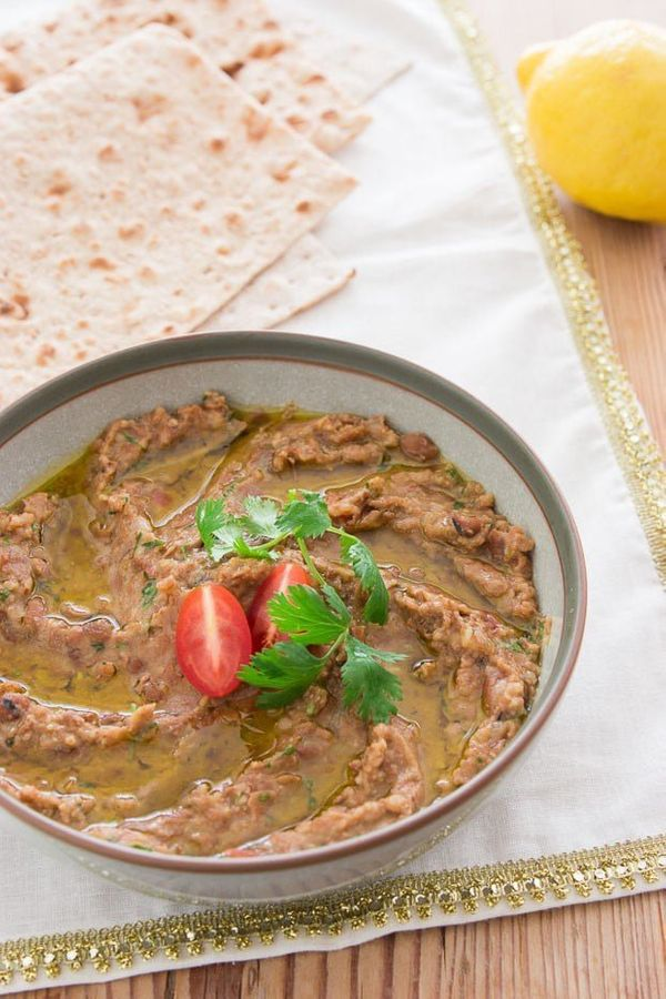 """<strong>Get the <a href=""""http://norecipes.com/recipe/ful-medames"""" target=""""_blank"""">Ful Medames recipe</a>from No Recipes"""