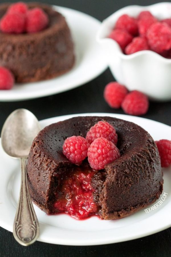 "<strong>Get the <a href=""http://www.texanerin.com/raspberry-molten-lava-cakes/"" target=""_blank"">Raspberry Molten Lava Cake re"