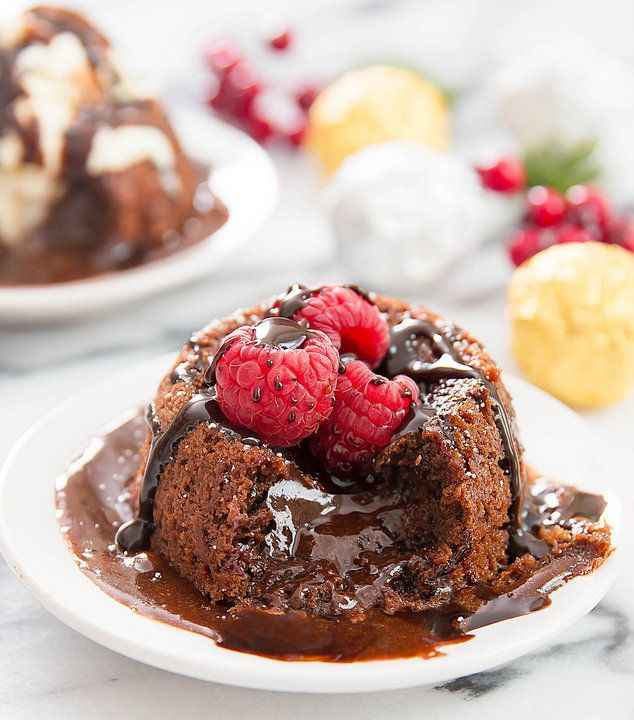 "<strong>Get the <a href=""http://kirbiecravings.com/2015/12/molten-nutella-lava-cakes.html"" target=""_blank"">Molten Nutella Lav"