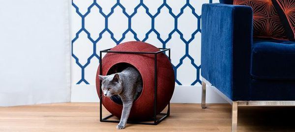 """Your cat can embrace a <a href=""""http://hyggehouse.com/hygge"""" target=""""_blank"""">hygge</a> lifestyle too with this cozy cocoon, a"""