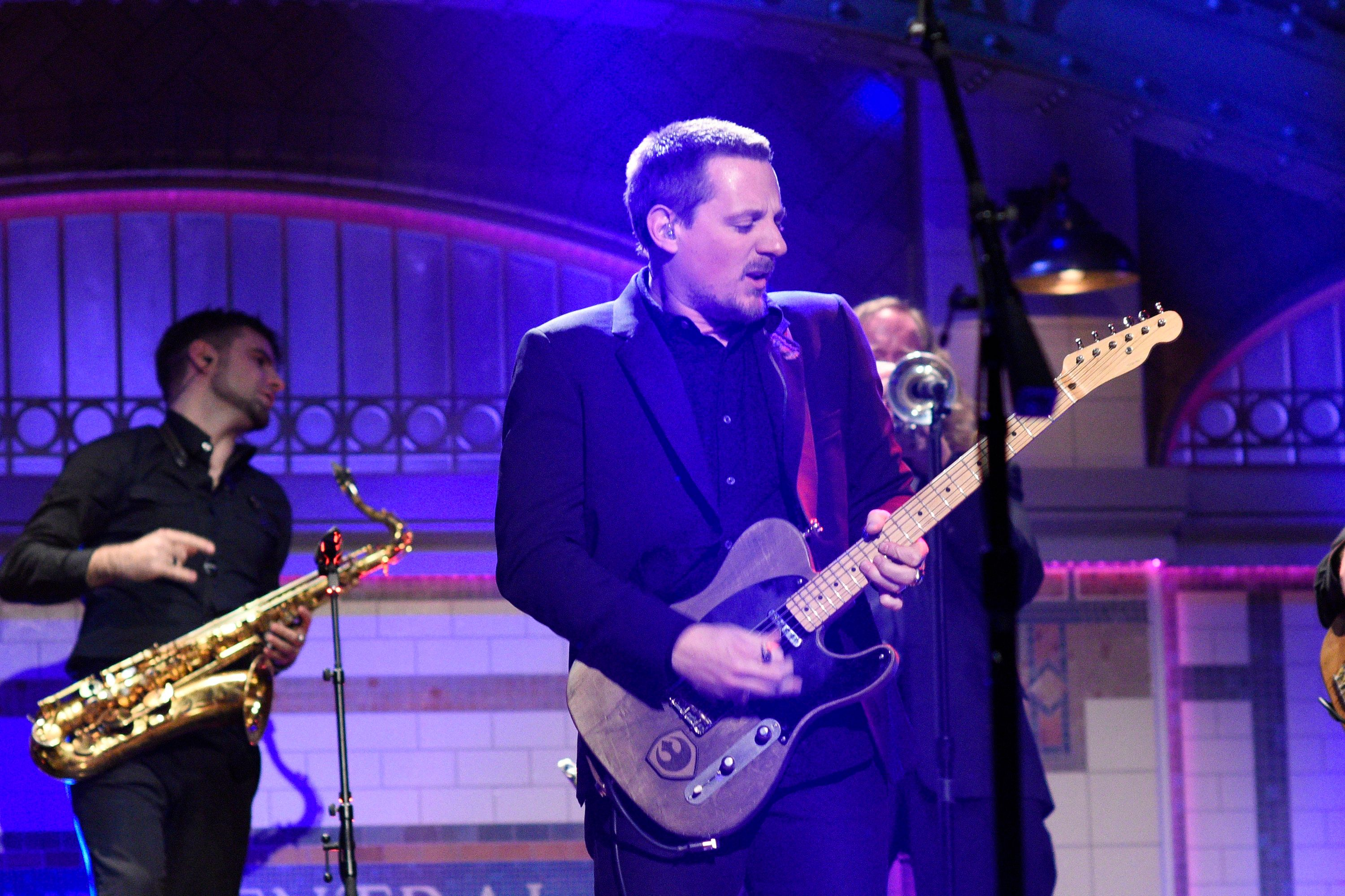 SATURDAY NIGHT LIVE -- 'Felicity Jones' Episode 1715 -- Pictured: Musical guest Sturgill Simpson performs on January 14th, 2017 -- (Photo by: Will Heath/NBC/NBCU Photo Bank via Getty Images)