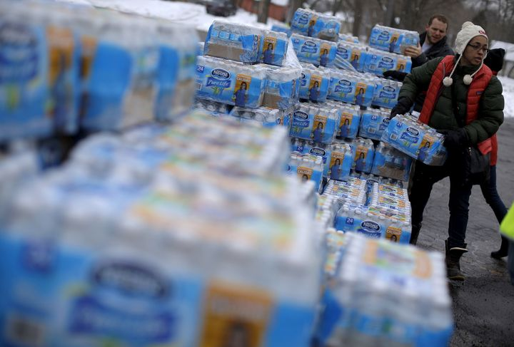 Why Flints Water Crisis Is So >> Why Flint S Water Crisis Is So Incredibly Bad Huffpost