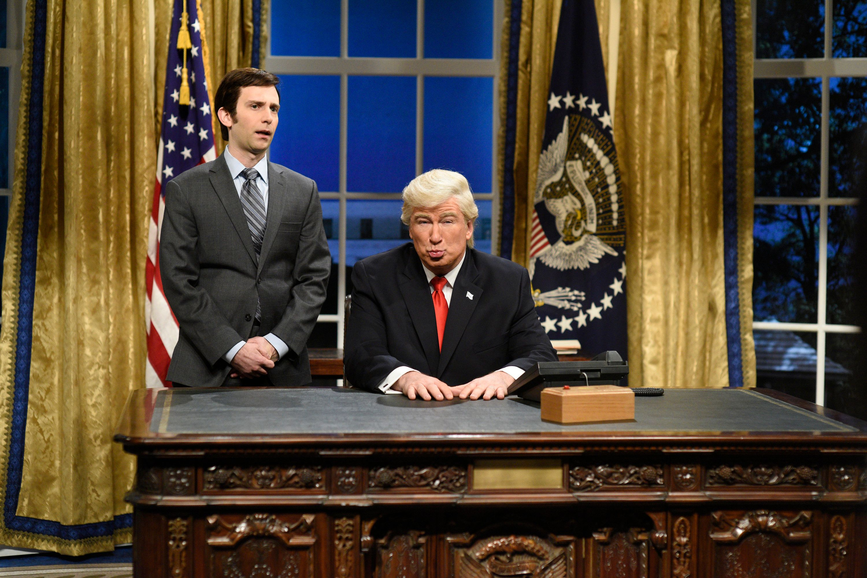 Picture Of Alec Baldwin Impersonating Trump Mistakenly Used In Newspaper