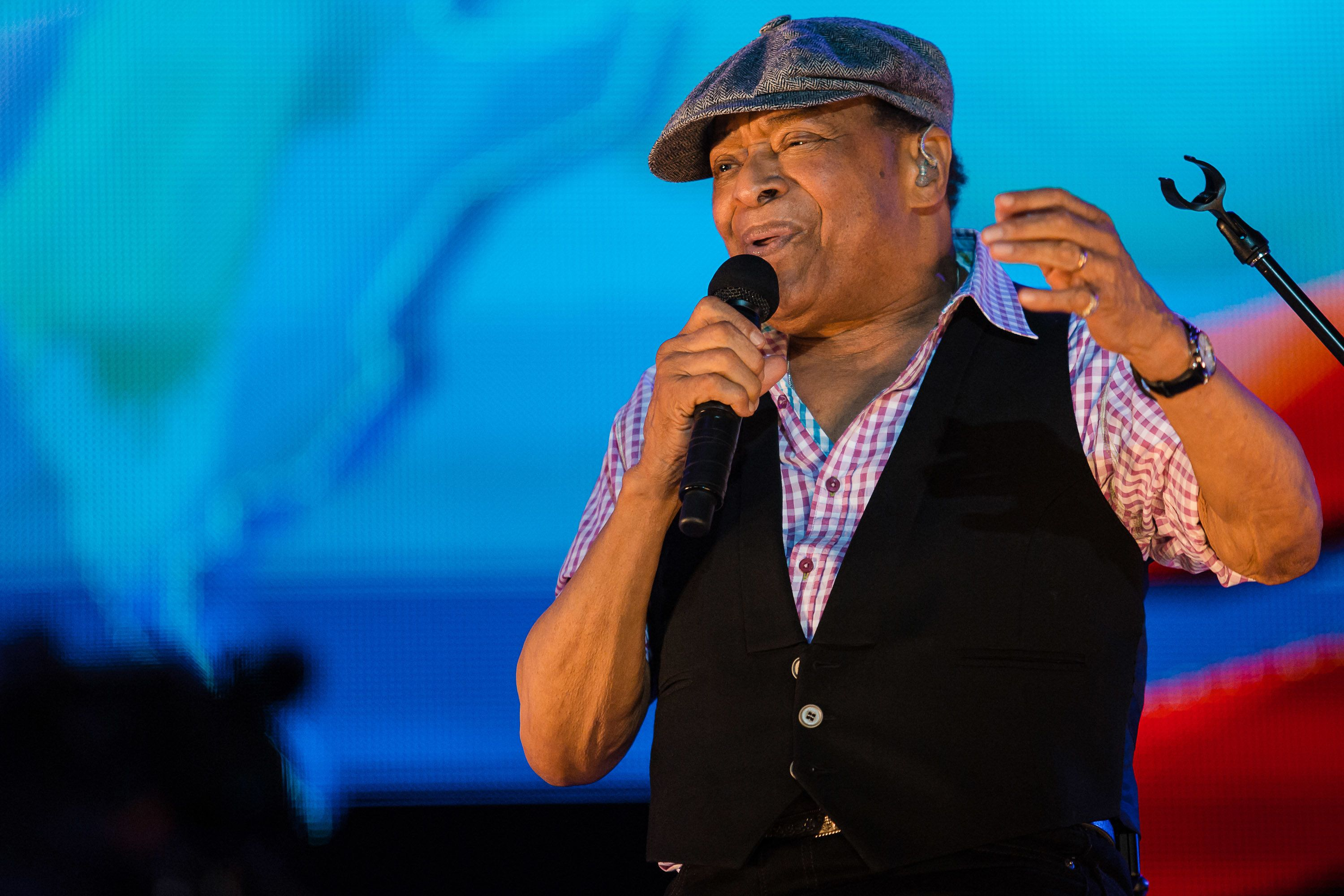 'Moonlighting' R&B Legend Al Jarreau Dies Aged