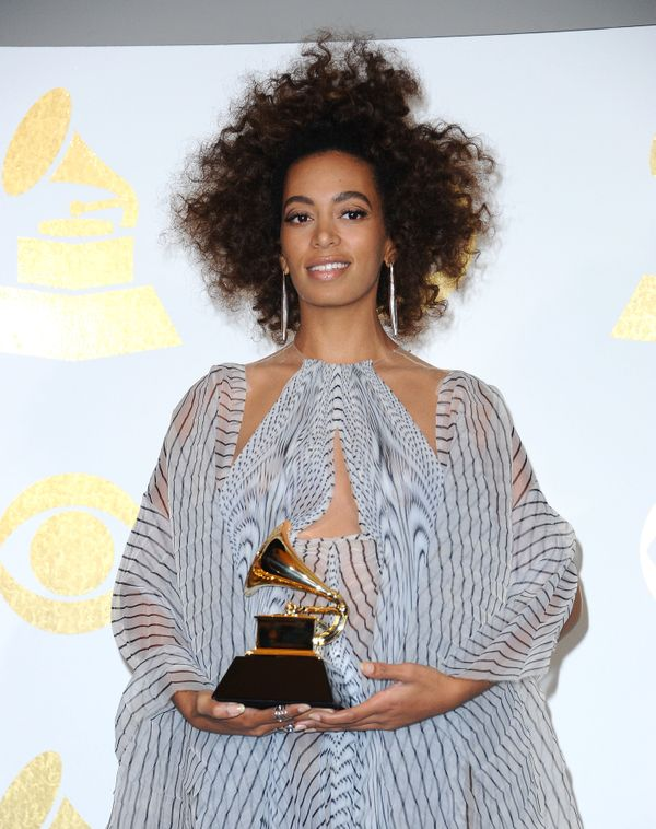 "Solange won her <a href=""http://www.huffingtonpost.com/entry/solange-grammy-award-rb_us_58a0fd5ae4b0ab2d2b1654ce"">first Gramm"