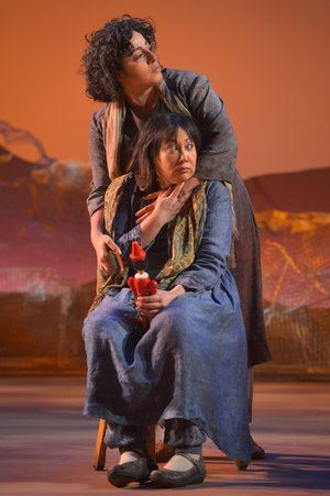 Denmo Ibrahim (Fariba) and Kate Rigg (Mariam) in a scene from <strong><em>A Thousand Splendid Suns</em></strong>