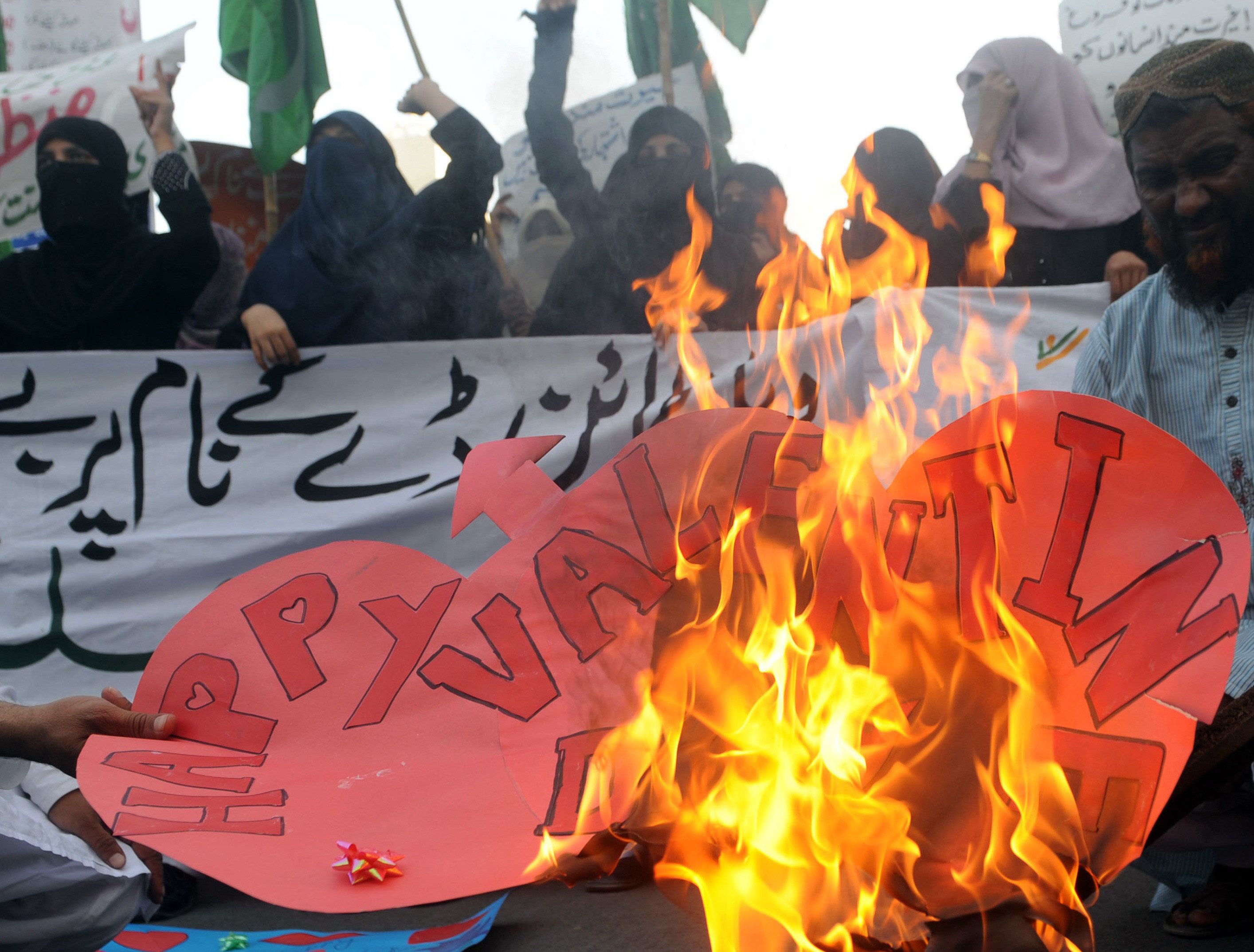 pakistani students rally against valentines day times of india