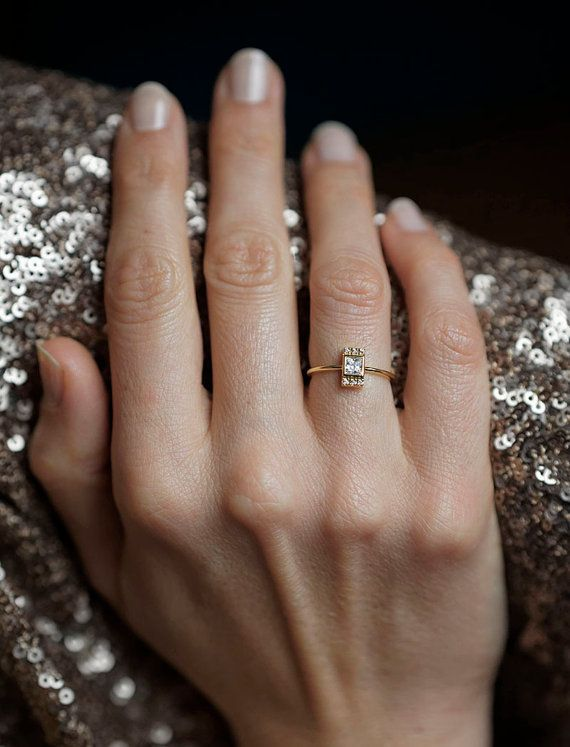 15 Perfectly Delicate Engagement Rings For The LowKey Bride HuffPost