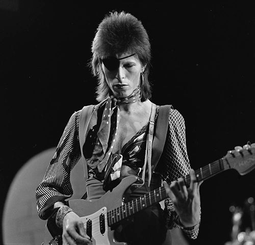 David Bowie in 1974, during recording of the Dutch television show <em>TopPop</em>.