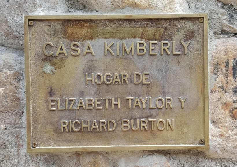 Sign commemorating the former love nest of Elizabeth Taylor and Richard Burton.