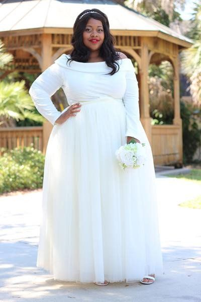 """<i>Skirt by<a href=""""https://society-plus.com/collections/society-bridal-presented-by-pretty-pear-bride"""" target=""""_blank"""""""