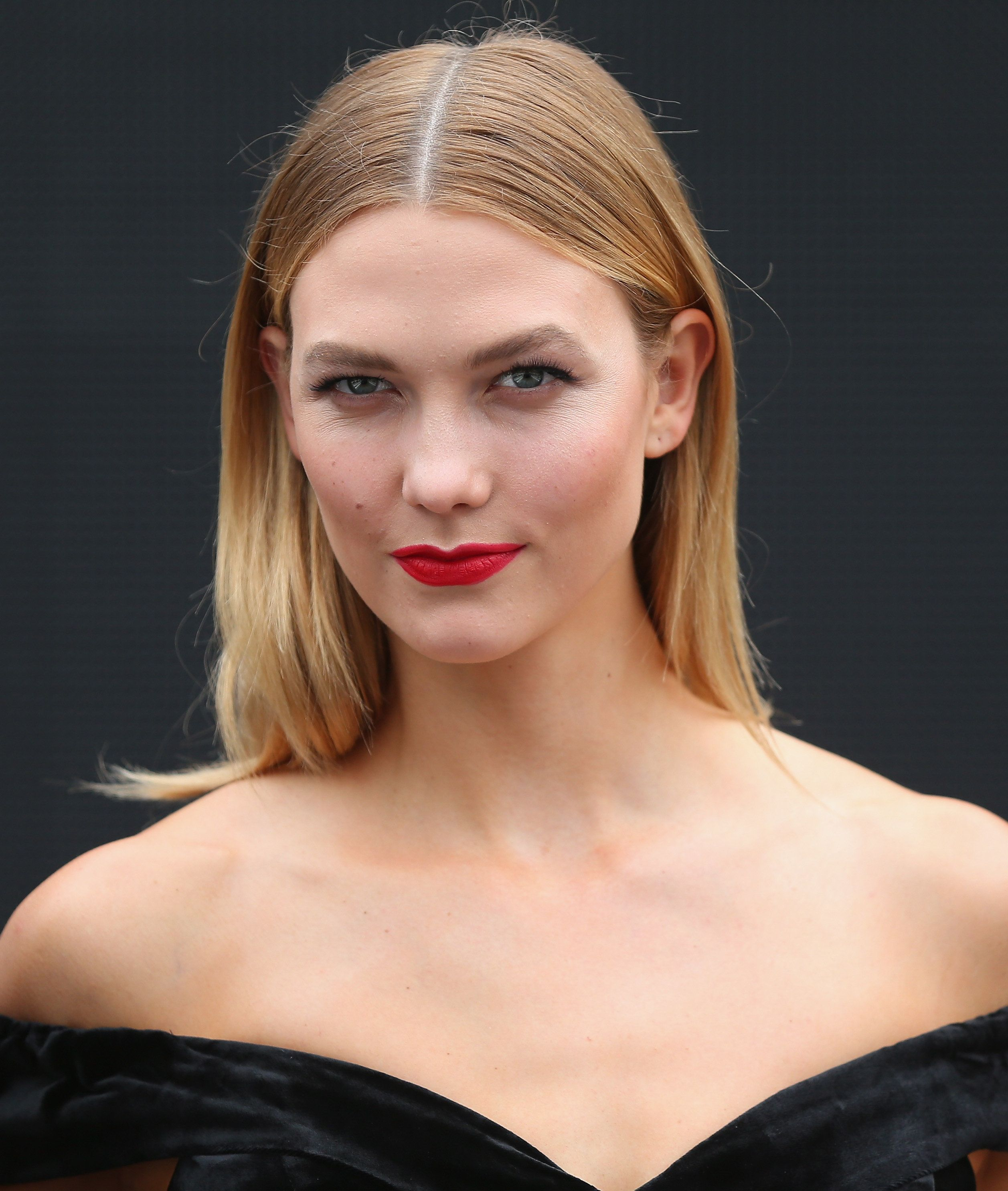 SYDNEY, AUSTRALIA - FEBRUARY 01:  Karlie Kloss poses just after the rehearsal ahead of the David Jones Autumn Winter 2017 Collections Launch at St Mary's Cathedral Precinct on February 1, 2017 in Sydney, Australia.  (Photo by Don Arnold/WireImage)