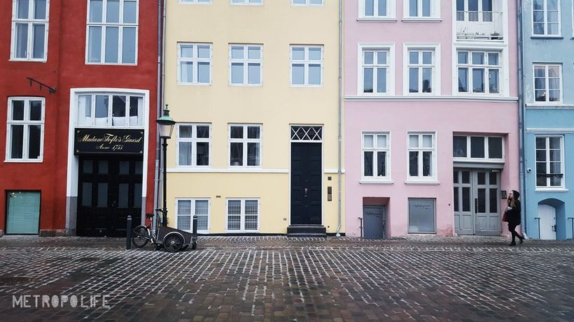Pastell coloured houses along Nyhavn