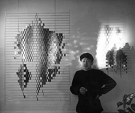 Michio Ihara with his sculpture <em>Kyokko</em> (1963)