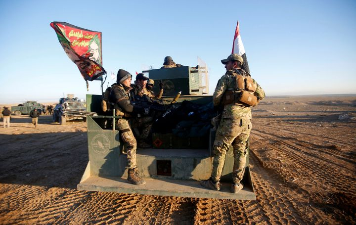 Iraqi security forces advance towards the western side of Mosul.