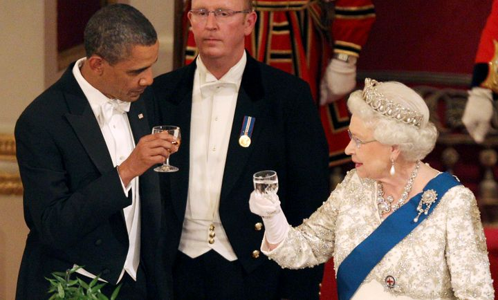 Queen Elizabeth and U.S. President Barack Obama (L) toast during a State Banquet in Buckingham Palace in London May 24, 2011.