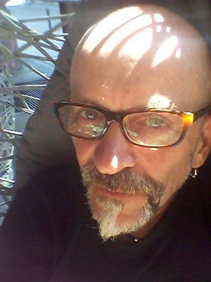 Mike Hembury is an Anglo-Berliner originally from Portland, England.  He's a writer, translator, musician, coder, sailor, en