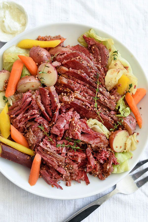 "<strong>Get the <a href=""http://www.foodiecrush.com/slow-cooker-corned-beef-and-cabbage/"" target=""_blank"">Slow Cooker Corned"