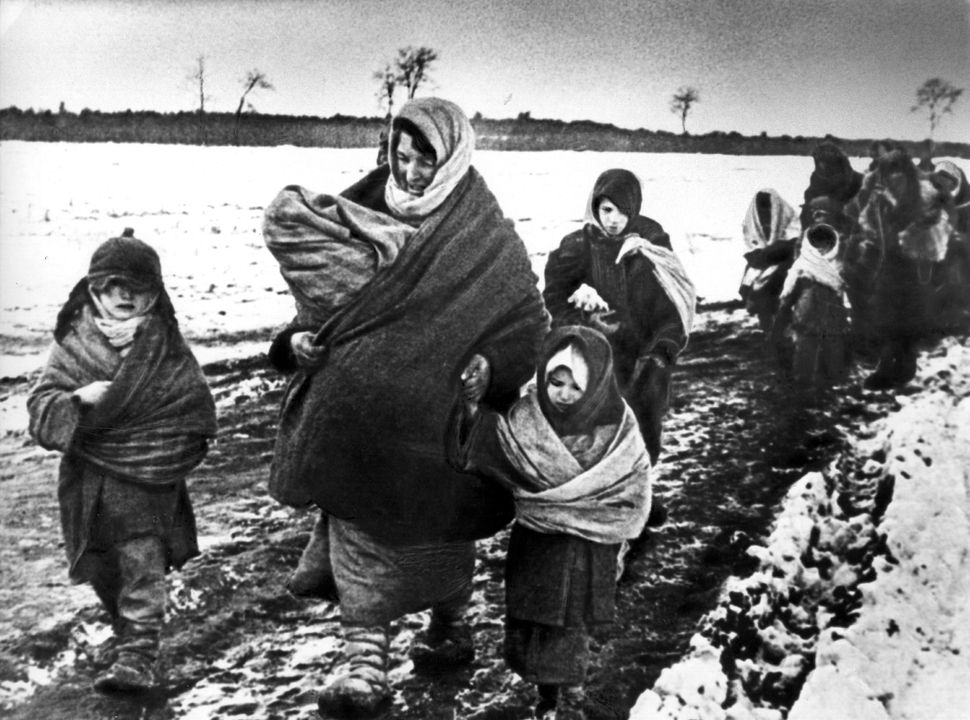 1941: Women and children walking to eastern Russia after the German invasion.