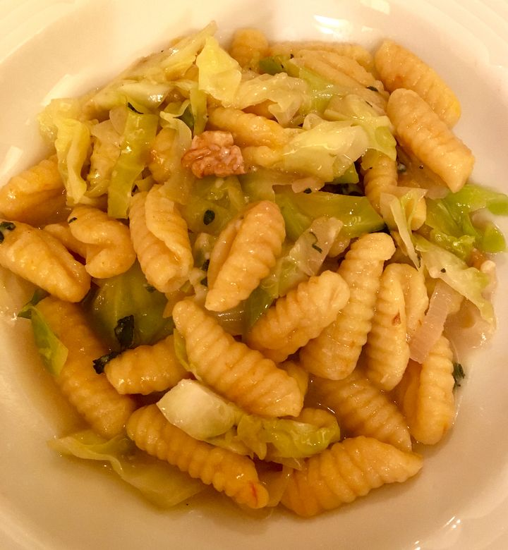 <p>Malloreddus with cabbage and walnuts</p>