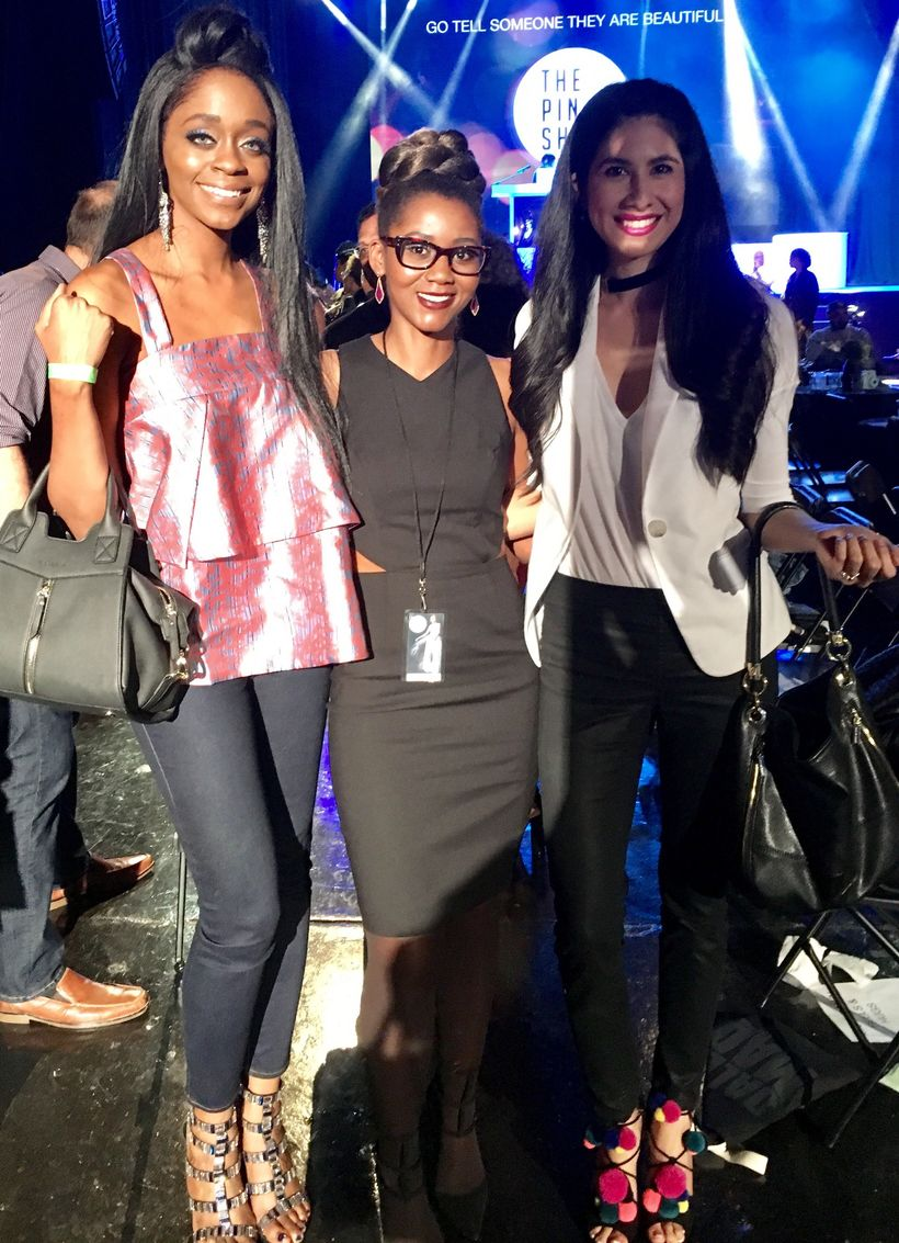 "Me with some fashion bloggers<a rel=""nofollow"" href=""https://www.vanessaindallas.com/"" target=""_blank""> Vanessa Espinoza</a>"