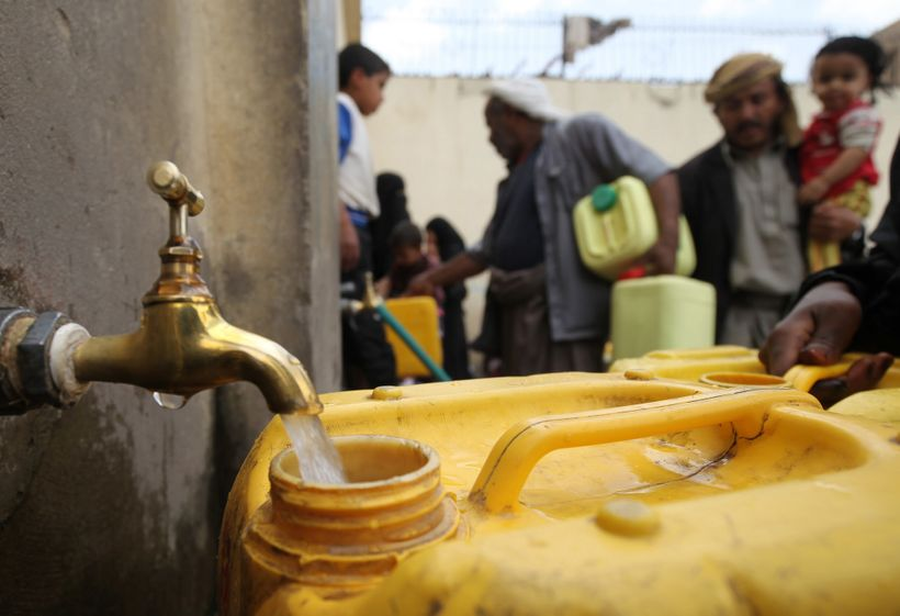 Yemen: Humanitarians responding while basic services are paralysed