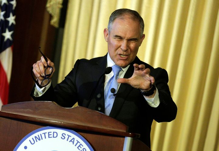 "Pruitt opened his speech on Tuesday with <a href=""http://www.huffingtonpost.com/entry/kamala-harris-scott-pruitt-batting-aver"