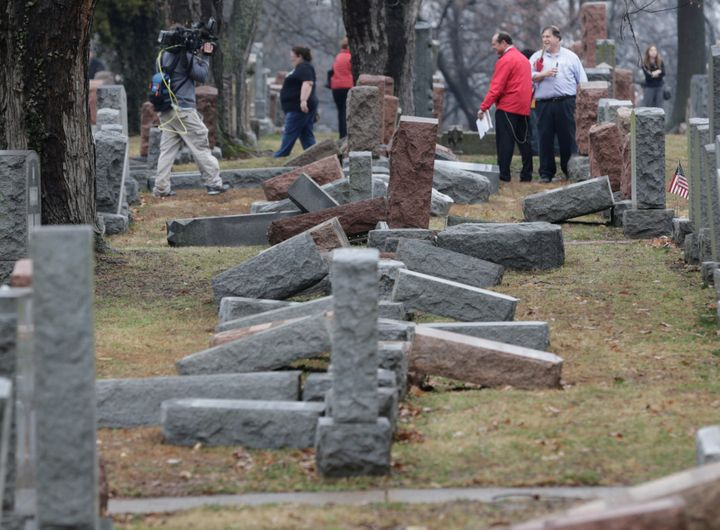Mike Pence Visits St. Louis Jewish Cemetery Hit by Vandals