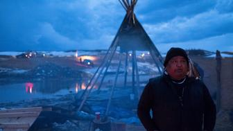 Holdout Dakota Access Pipeline protesters must leave the Oceti Sakowin camp on Wednesday Feb 22