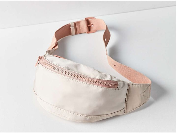 "<a rel=""nofollow"" href=""http://www.urbanoutfitters.com/urban/catalog/productdetail.jsp?id=41131194&category=W_ACC_BAGS&color="