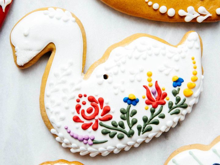 <p>If left in a well ventilated area, the cookies will naturally dehydrate.  Aniko uses some of them, like this swan, as Christmas ornaments.</p>
